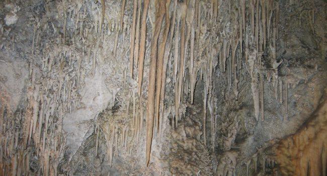 Uhlovitsa Cave